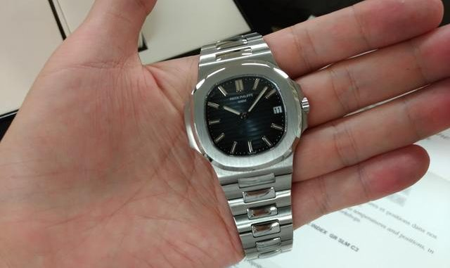 detailed look 80b6d 68240 時計怪獣】パテックフィリップ ノーチラス 5711/1A-010 並行新品 ...
