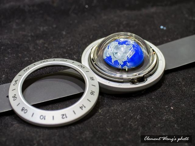 Think the Earth 地球時計 wn-2 blue